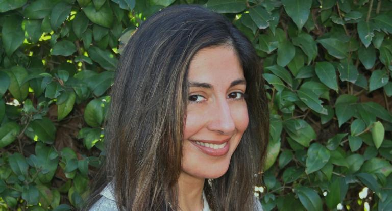Headshot of Tanya Mehta, CEO of Transverse Leadership
